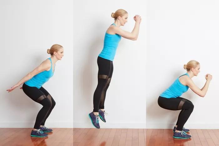 Прыжки в длину с места тренируют взрывную силу и равновесие