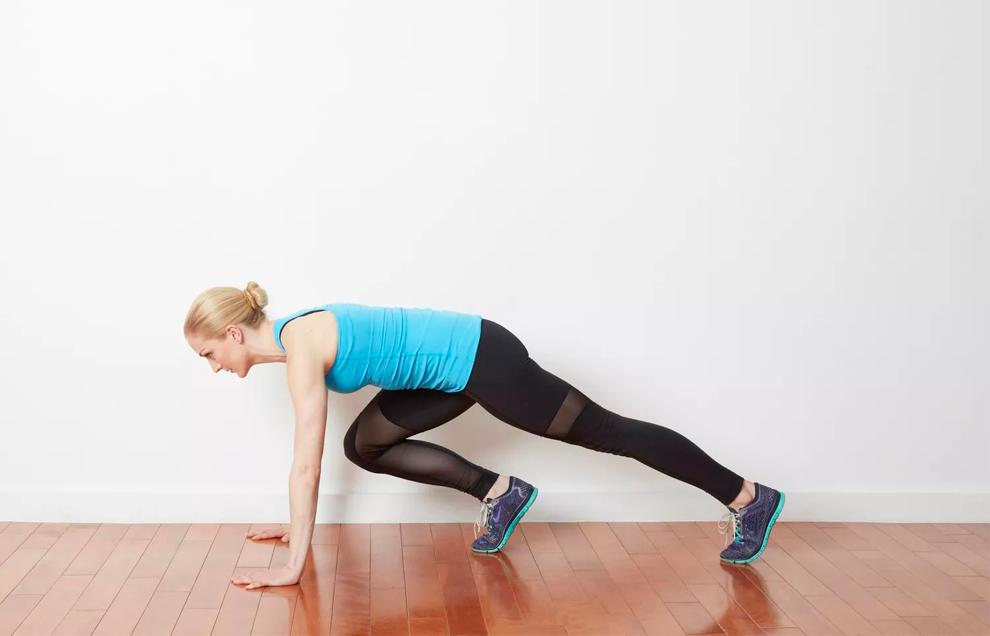 Упражнение «Альпинист» или «Скалолаз» эффективно тренирует мышцы пресса