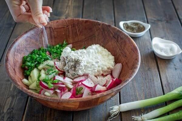 Салат с творогом и редисом