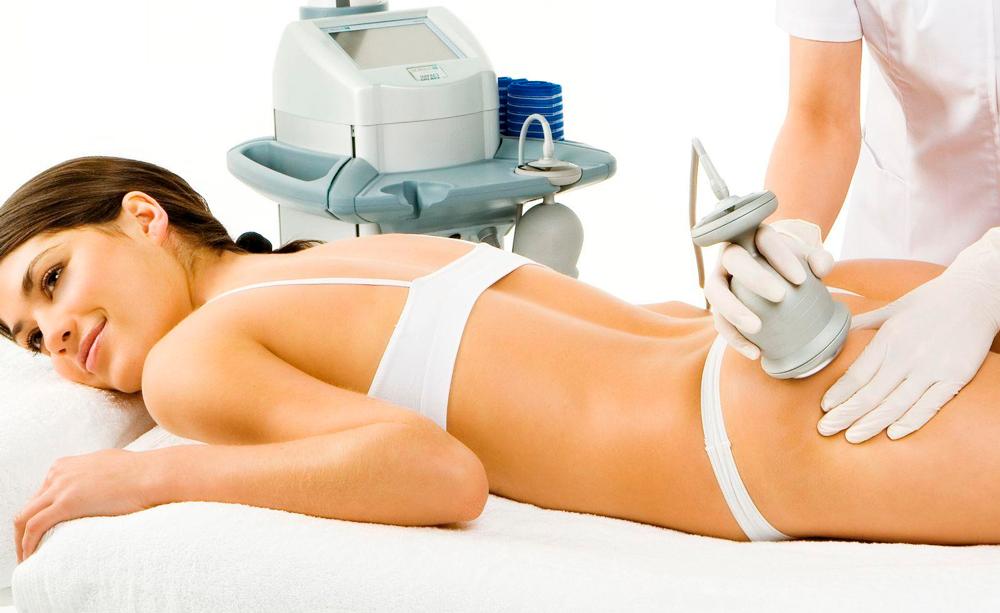 Медицинские и косметические процедуры помогают сделать растяжки менее заметными