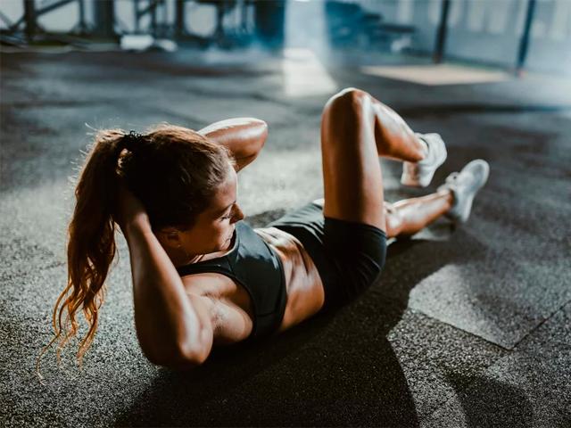 Жиросжигающая Тренировка: упражнения для дома и зала