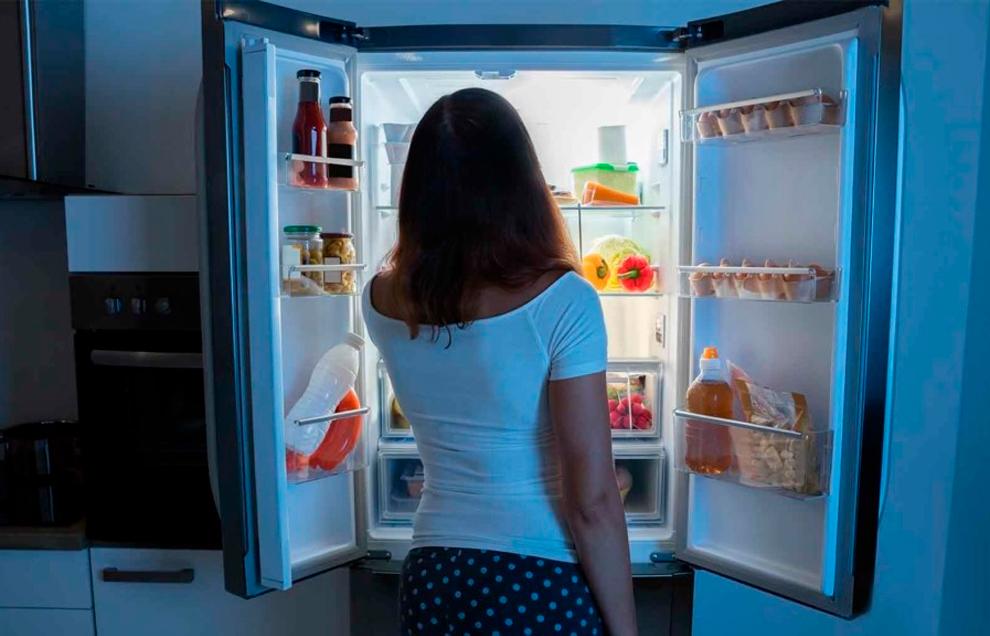 Приводит ли прием пищи перед сном к увеличению веса?