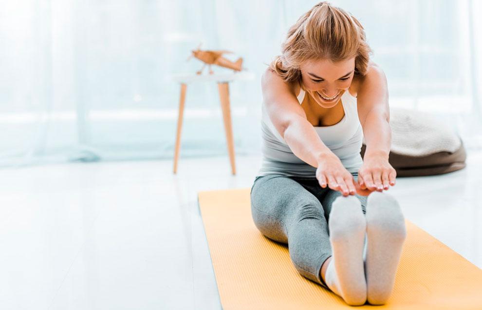 Растяжка полезна для сохранения подвижности и молодости суставов и позвоночника